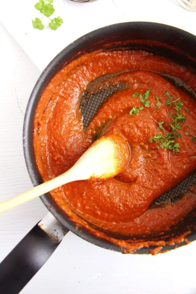 tomato sauce 683x1024 Basic Homemade Tomato Sauce