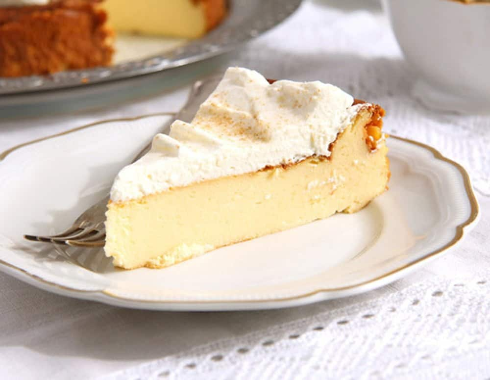 crustless cheesecake slice with whipped cream