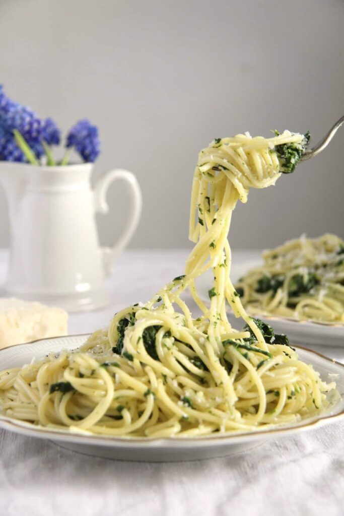 spaghetti spinach 683x1024 12 Recipes for Mothers Day