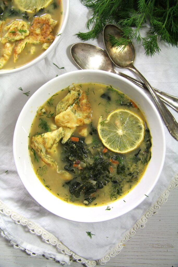 spinach soup 683x1024 Delicious Romanian Spinach Dill Soup with Omelet