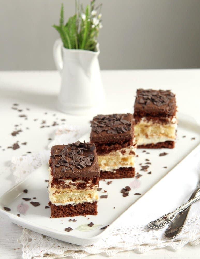 layer cake romanian Layered Chocolate Vanilla Cake