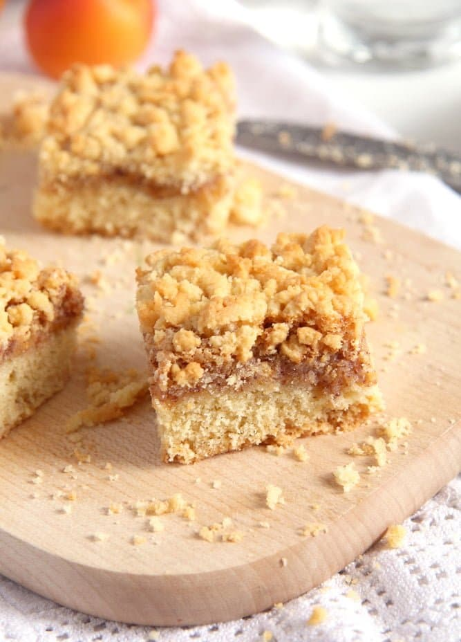 Apricot Jam Crumble Cake