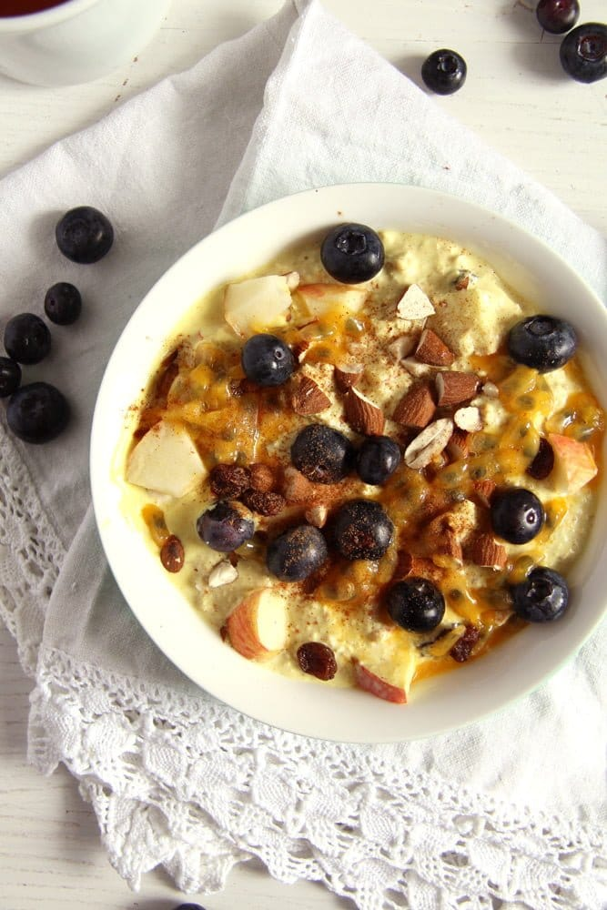 Muesli with Yogurt and Turmeric Paste