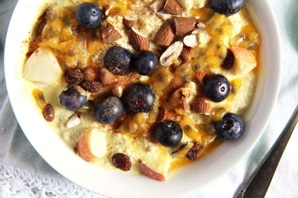 yogurt muesli with blueberries, turmeric and almonds