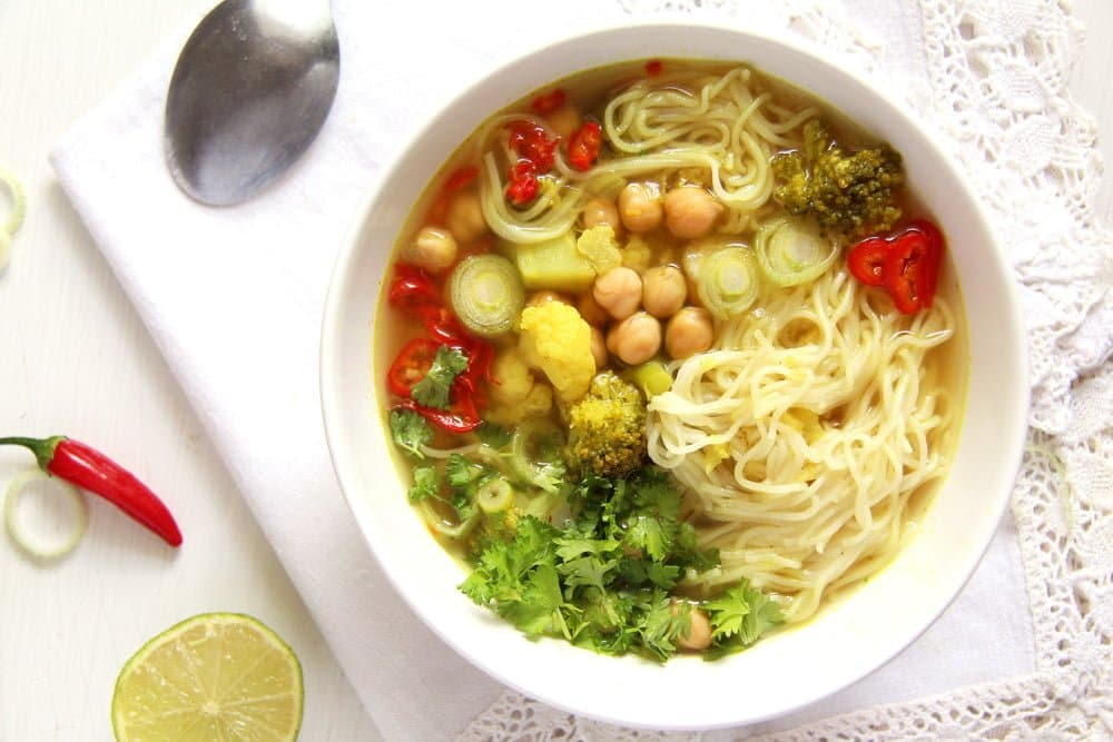 Turmeric Paste Soup with Noodles and Vegetables