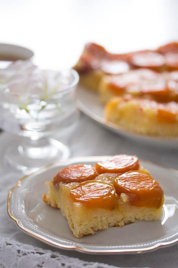 upside down apricot cake