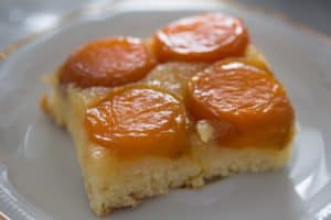 upside down apricot cake 8 300x200 Upside Down Apricot Cake with Fresh Apricots