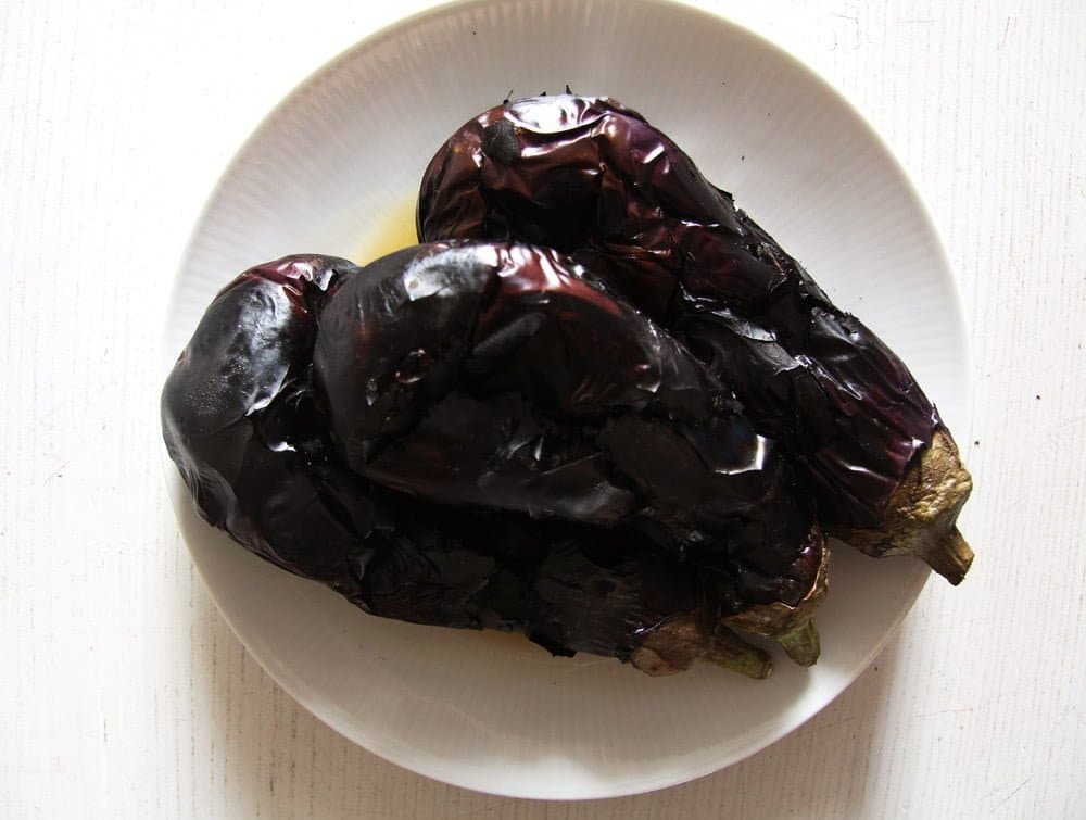 how to roast eggplants for salad vinete