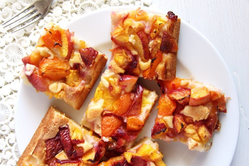 peach cake slices