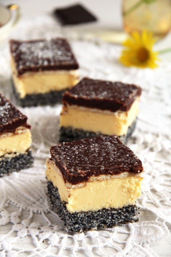 poppy vanilla cream Vanilla Poppy Seed Cake with Chocolate Glaze – Romanian Tosca Cake