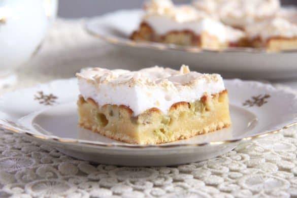 rhubarb meringue cake quick 585x390 50 Spring Recipes