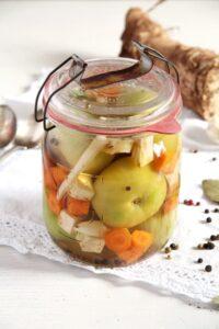 green tomatoes pickled 200x300 Green (Unripe) Tomato Pickles – Romanian Recipe