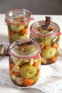 green tomatoes pickles 200x300 Green (Unripe) Tomato Pickles – Romanian Recipe