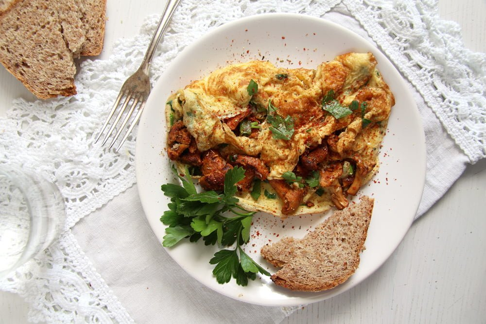 chanterelle omellet Easy Chanterelle Omelet with Thyme and Rosemary