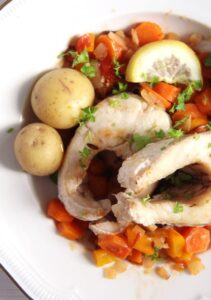 pike 211x300 Oven Baked Pike with Vegetables and White Wine