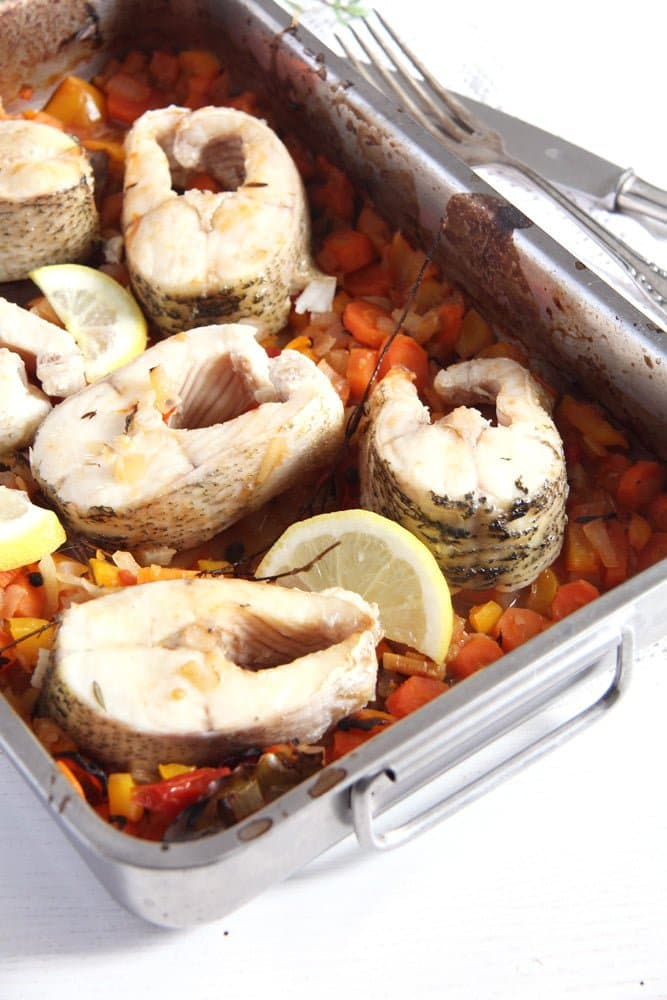 pike oven baked Oven Baked Pike with Vegetables and White Wine – Romanian Recipe
