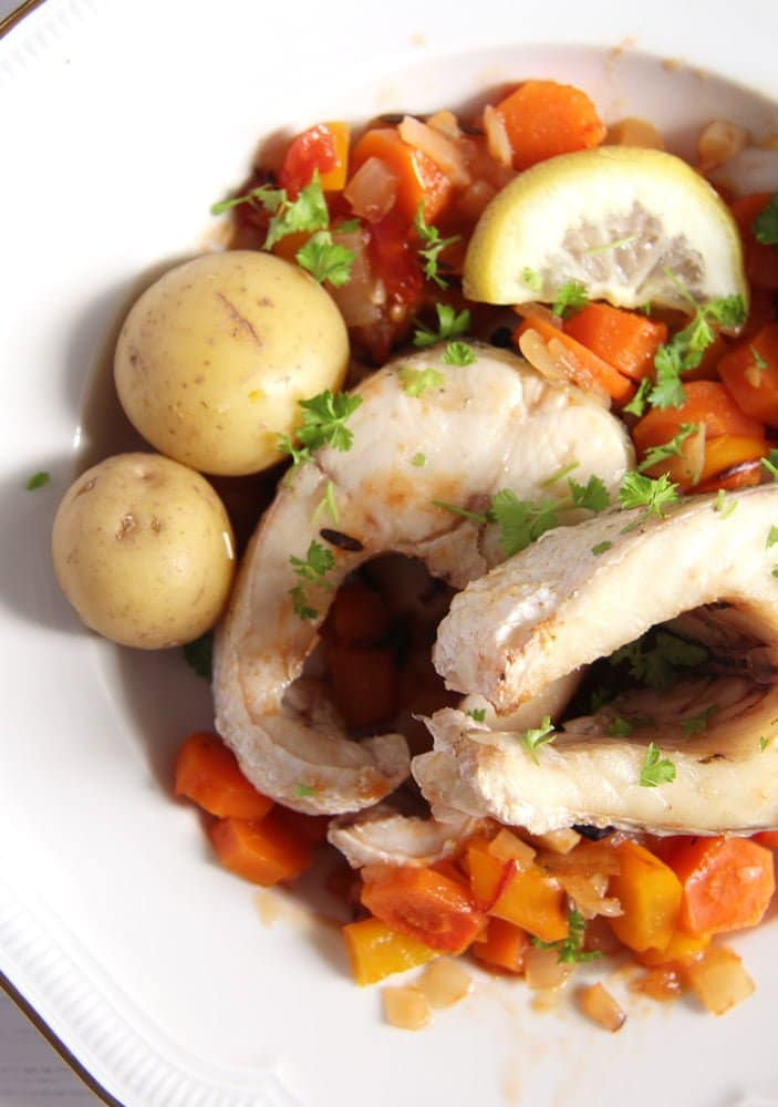 Oven-Baked Pike with Vegetables and White Wine