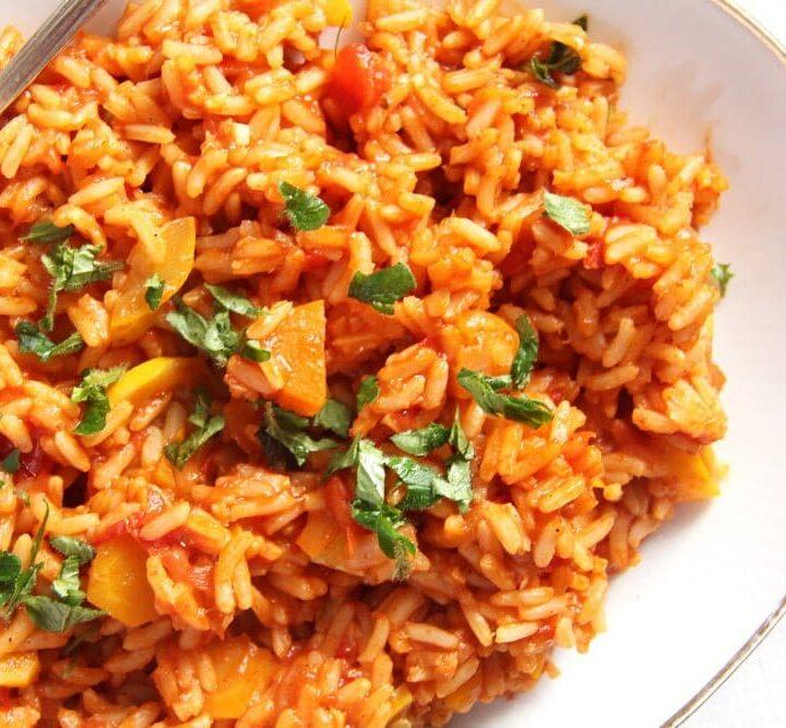 vegan rice with tomatoes