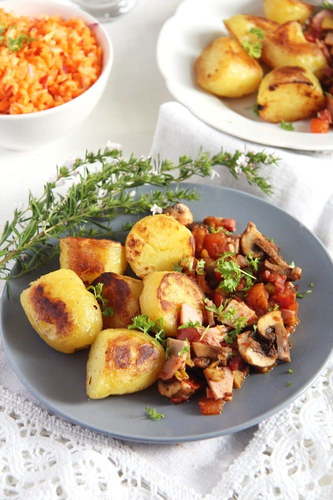 gypsy potatoes mushrooms Potatoes with Bacon, Ham and Vegetable Sauce – Gypsy Recipe