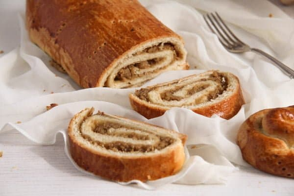 how to make beigli hungarian nut rolls