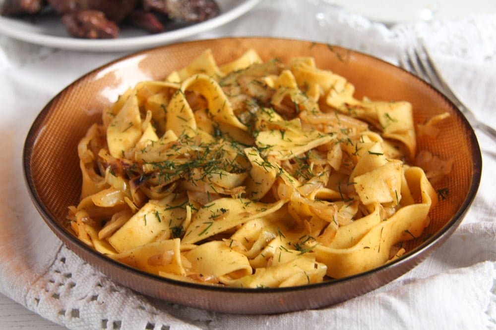 Easy Cabbage Noodles with Sour Cream and Dill