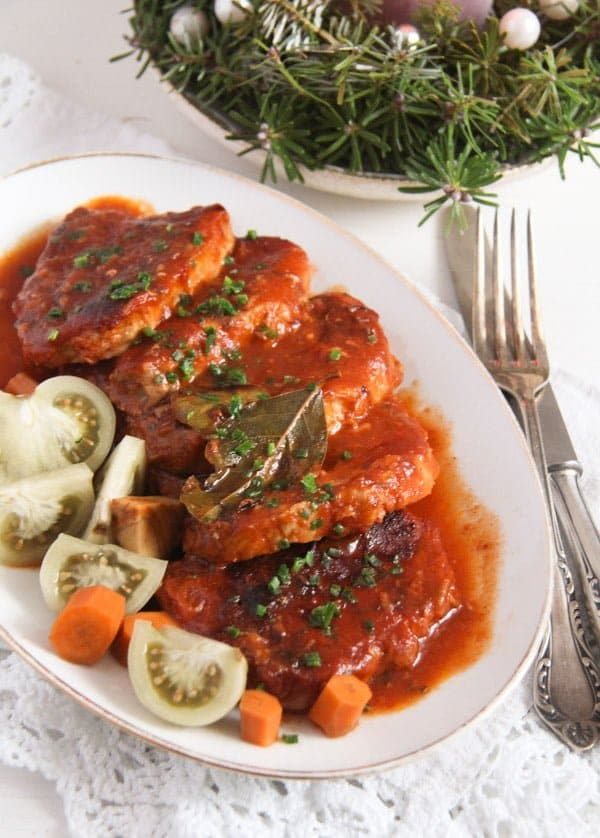 easy roasted pork in tomato sauce
