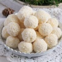 raffaello ed 1 200x200 Three Ingredient Homemade Raffaello Coconut Balls