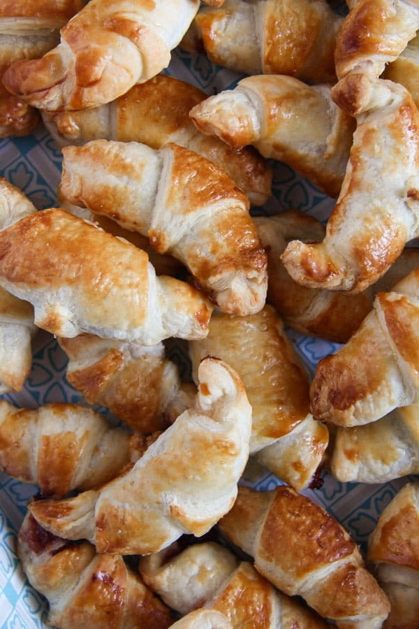mini croissants 4 Puff Pastry Croissants Filled with Rose Jam