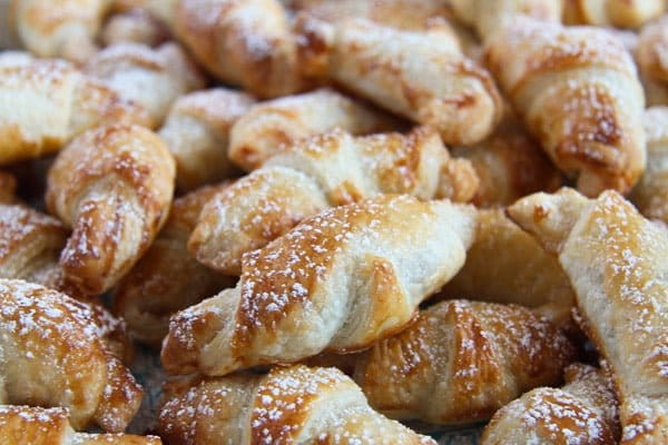 mini croissants 6 Puff Pastry Croissants Filled with Rose Jam