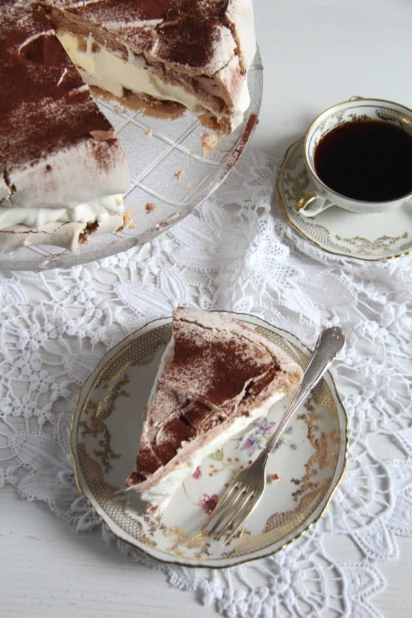 polish bezowy torte 2 Meringue Cake with Mascarpone Filling – Polish Bezowy Torte