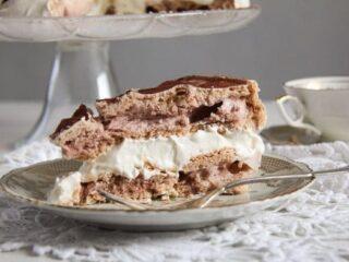 slice of polish meringue cake tort bezowy