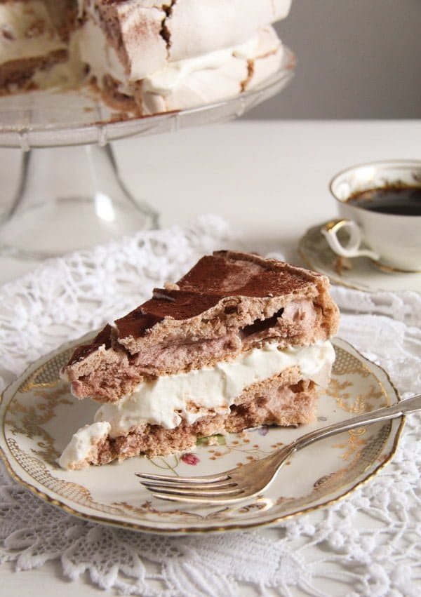 polish bezowy torte 5 Polish Cake with Meringue – Tort Bezowy
