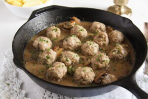 polish meatballs sauce 6 300x200 Polish Meatballs with Mushroom Sour Cream Gravy