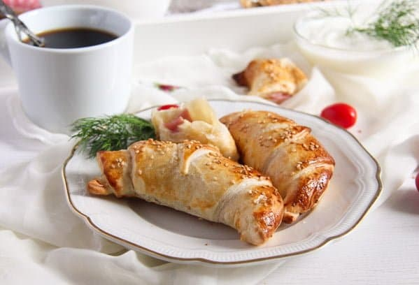 Easy Ham and Cheese Puff Pastry Croissants with Sesame Seeds