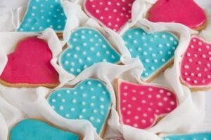 heart cookies 4 300x200 Easy Heart Shaped Butter Cookies with Flood Icing