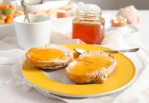 lemon jelly 2 300x208 Delicious Jelly with Fresh Lemon and Clementine Juice