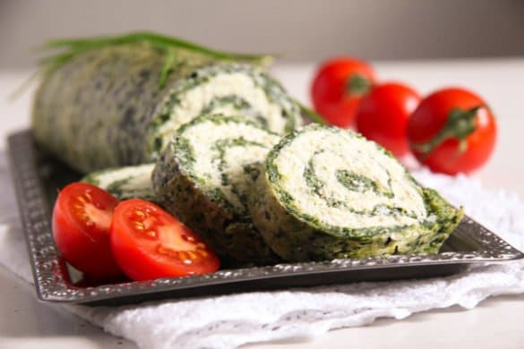 spinach roll 3 585x390 50 Spring Recipes