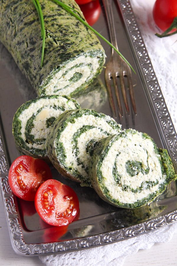 spinach roll 4 Spinach Roll with Cottage Cheese, Gouda and Herbs