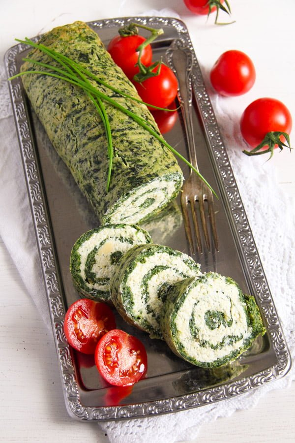 spinach roll 5 Spinach Roll with Cottage Cheese, Gouda and Herbs