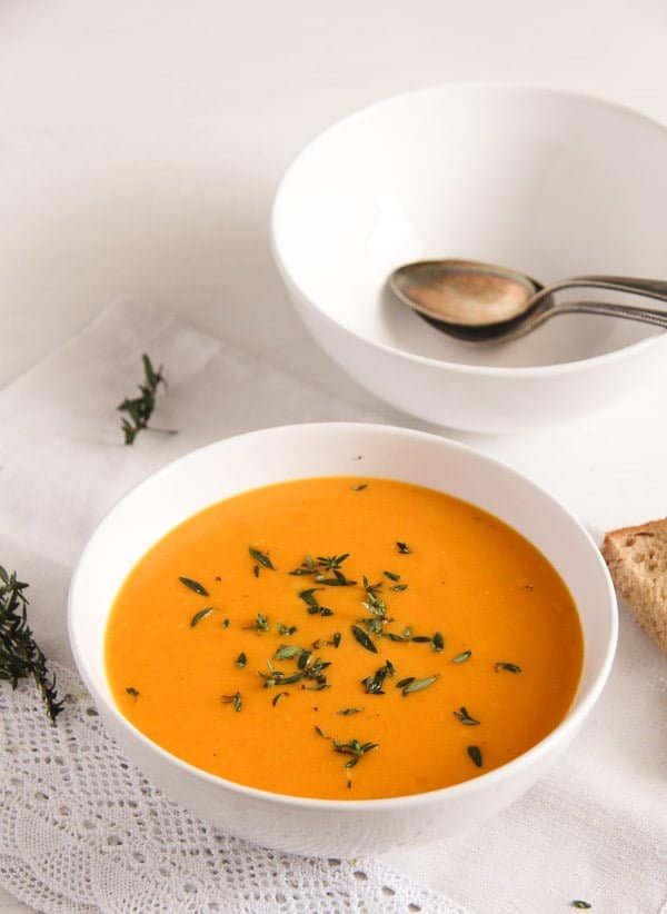 Simple and Delicious Creamy Carrot Soup with Milk