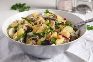 potato egg salad 4 300x200 Potato Salad with Eggs, Olives and Gherkins – Romanian Oriental Salad