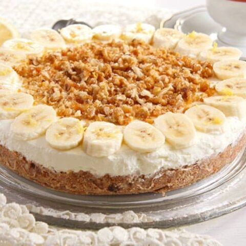 Banana Caramel Cream Pie with Candied Walnuts - No Bake Pie