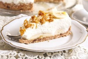banana pie 6 300x200 No Bake Banana Caramel Cream Pie with Candied Walnuts