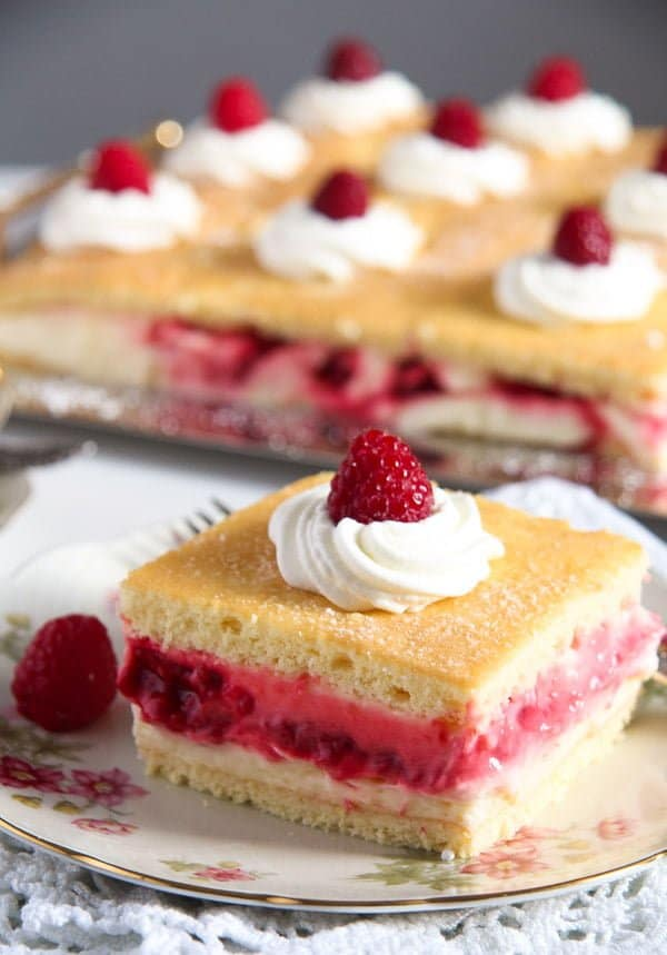 lemon raspberry cake 6 15 Favorite Cakes and Desserts