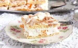 mandarin orange cream cake 4 300x184 Mandarin Orange Cake with Cream and Almond Meringue