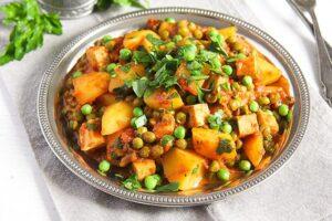 potato pea curry 3 300x200 Vegan Potato Curry Recipe with Tofu, Tomatoes and Peas