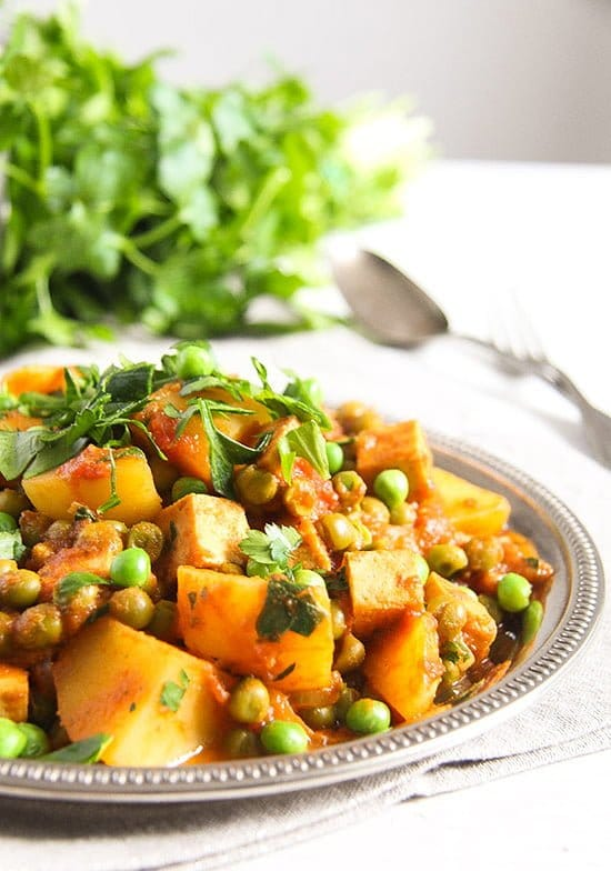 potato pea curry 5 Vegan Potato Curry Recipe with Tofu, Tomatoes and Peas