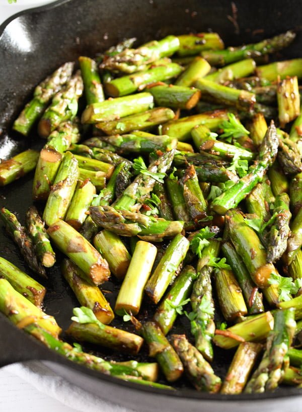 sauteed asparagus 3 Sauteed Asparagus with Garlic – Easy Asparagus Recipe
