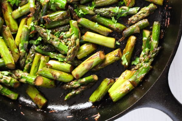 easy sauteed asparagus with ginger
