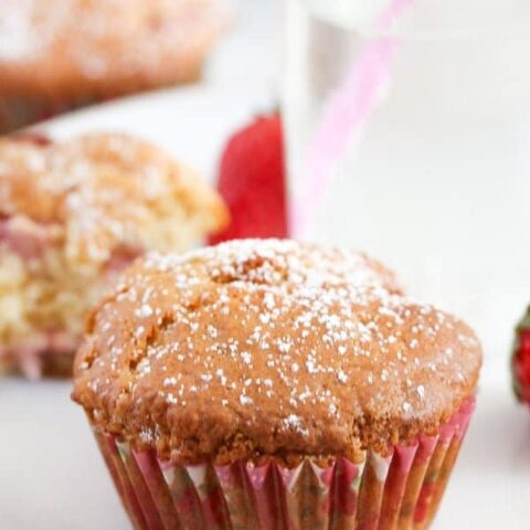 strawberry muffins with sour cream